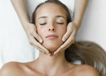 Todo sobre los tratamientos de rejuvenecimiento facial