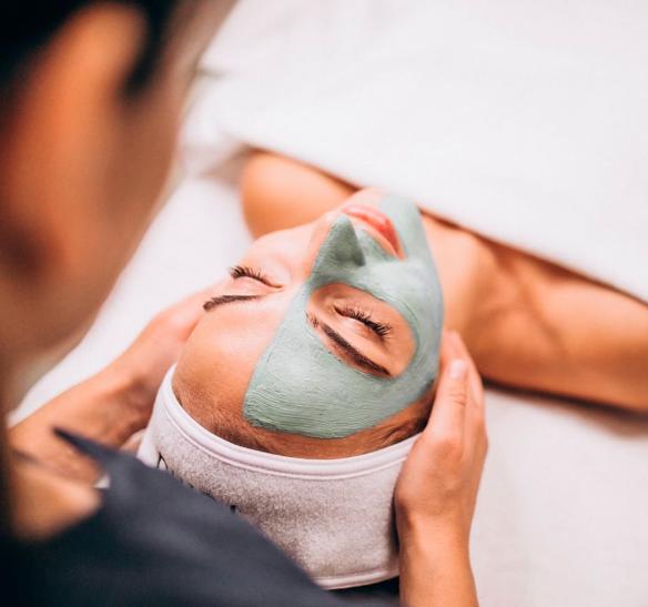 Cómo eliminar las cicatrices en la cara