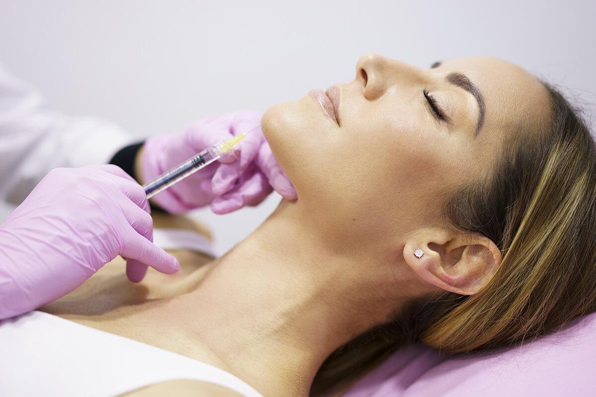 Marcación mandibular: todo sobre el tratamiento para definir la mandíbula